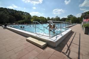 50 Meter Sole Sportbecken