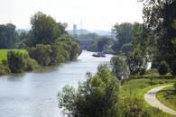 Ein Schiff auf dem Neckar