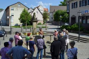 Eine Führung am Brunnen in Kochendorf