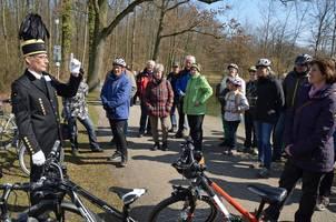 Eine Gruppe Radler bei einer geführten Radtour
